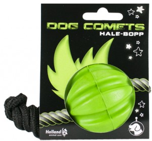 Dog-Comets-Hale-Bopp-Green-with-rope